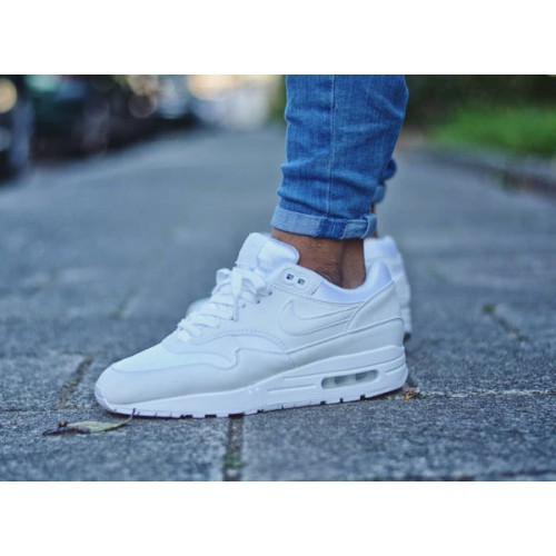 basket nike air max femme blanche remise