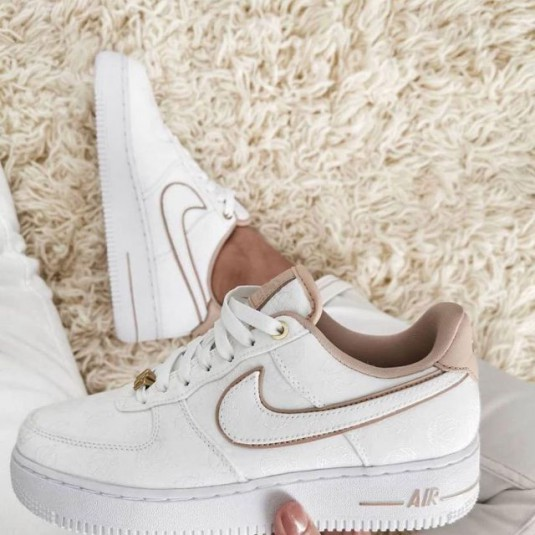 nike air force one femme blanche et beige magasin